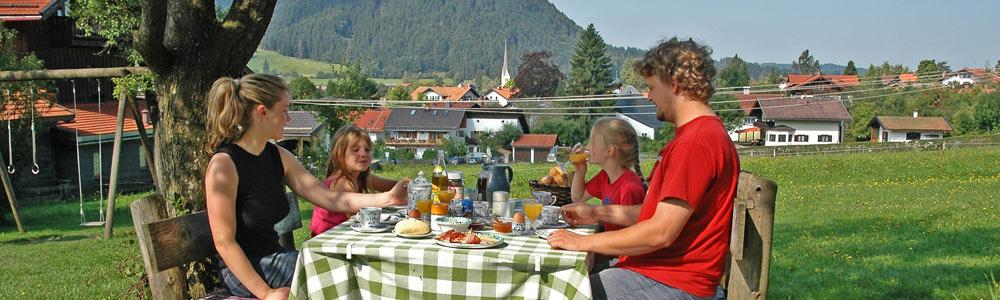 Urlaub am Schliersee beim Frühstück auf dem Biohof Sonnenstatter